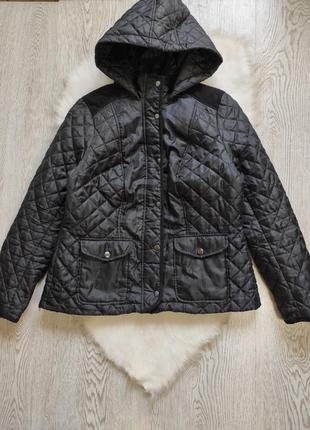 Черная стеганая короткая куртка карманами капюшоном теплая ветровка батал большого размера