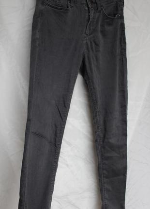 Серые джинсовые штаны topshop
