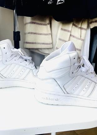 Кросівки adidas 35-36