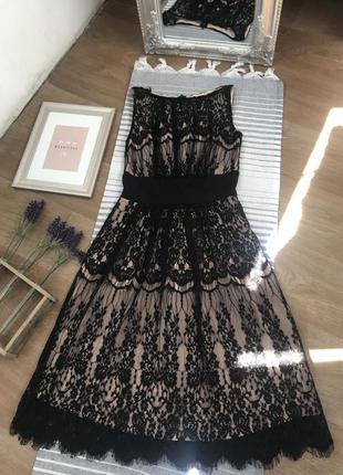 Коктейльное  черное маленькое платье.
