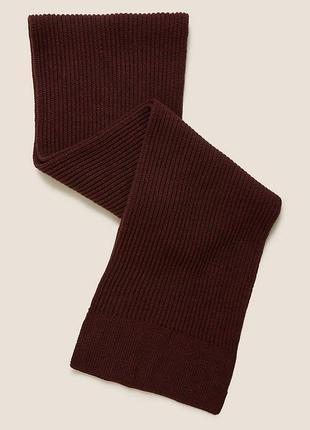 Вязаный фактурный шарф marks&spencer ягодного цвета