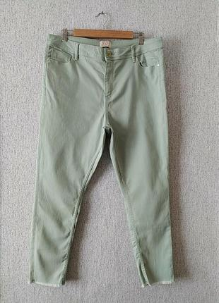 Стильні трендові джинси скіні мятного кольору батал