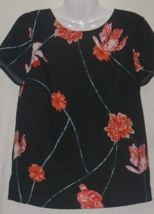 Блузка женская летняя чёрная, с красными цветами, 46 размер.