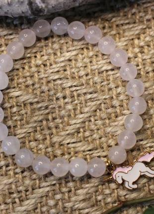 Браслетик з рожевого кварцу з єдинорогом. жіночий браслет. дівчачий браслет.