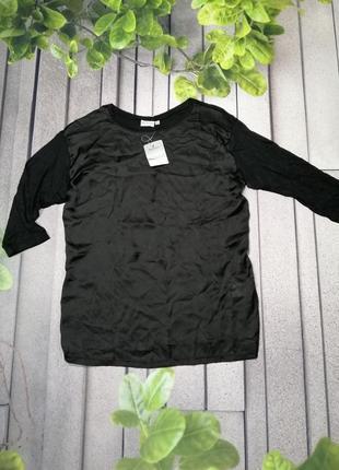 Черная блуза из комбинированных материалов атлас и вискоза
