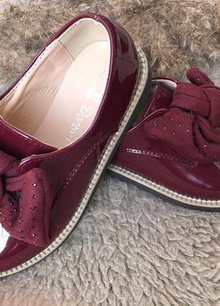 Туфлі, лофери для дівчинки