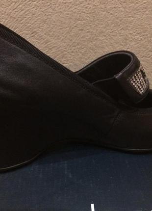 Фабричные кожаные туфли3