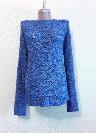 Красивая синяя кофта