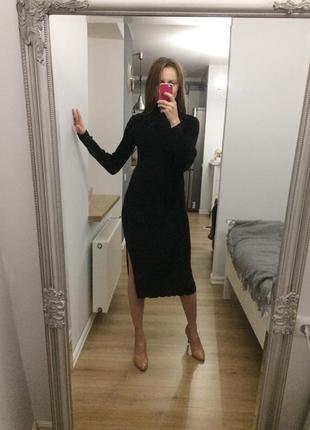 Шикарна тепла сукня в рубчик з розрізом
