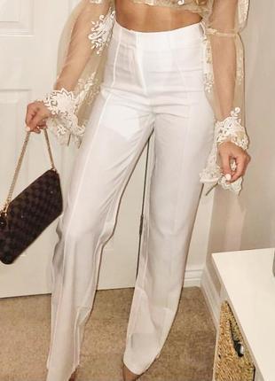 Белые летние классические прямые брюки со стрелками высокая посадка prettylittlething