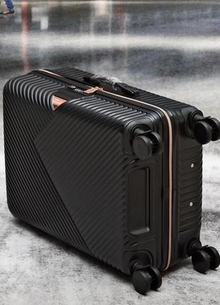 Яскраві валізи, чемоданы прочные по доступным ценам5 фото
