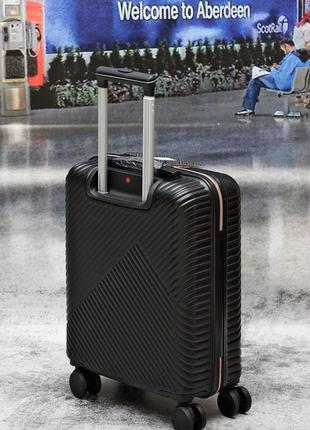Яскраві валізи, чемоданы прочные по доступным ценам8 фото