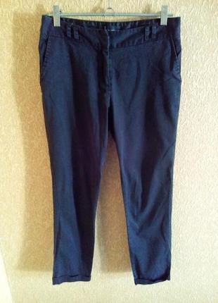 Укороченные черные брюки с манжетами