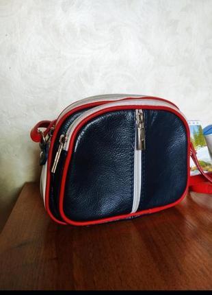Маленькая кожаная сумка