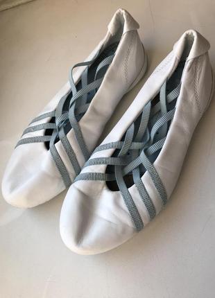 Кроссовки adidas 35 , туфли