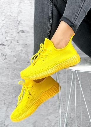 Жёлтые текстильные кроссовки