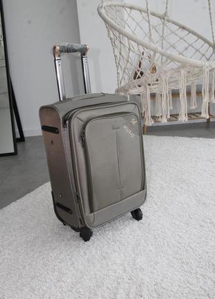 Оливкова валіза misely чемодан текстиль