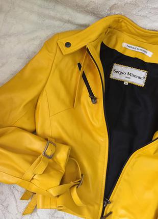 Кожаная курточка коротенькая