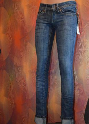 Стильные джинсы скини mango