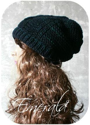 Хлопковая фактурная шапка-чулок (beanie) с косами чёрного/изумрудного цвета (меланж)