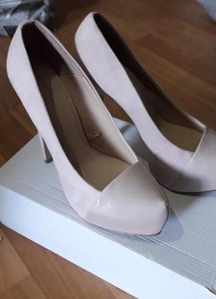 Туфли замш бежевого цвета