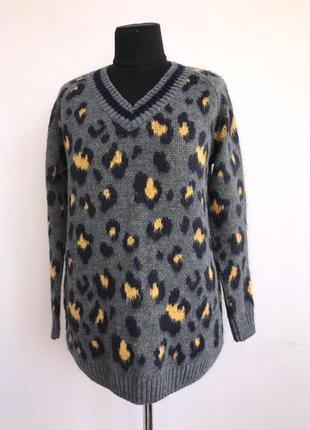 Леопардовый свитер с v-образным вырезом