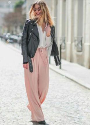 Пудровые стильные широкие брюки / брюки палаццо высокая посадка  большого размера
