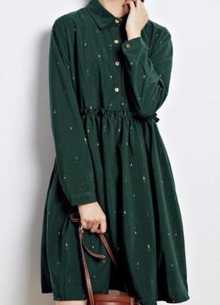 Стильное свободное платье с необычным принтом