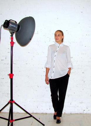 Белая блуза с асимметричной планкой