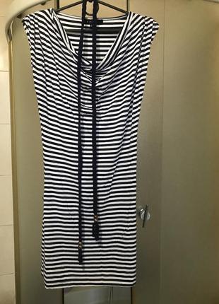 Фирменные платье маечное с поясом