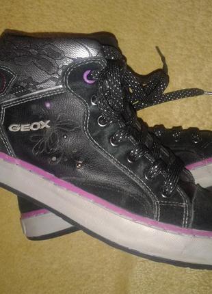 Geox демисезонные ботинки для девочки