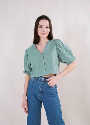 Фисташковая блуза блузка укороченная на пуговицах