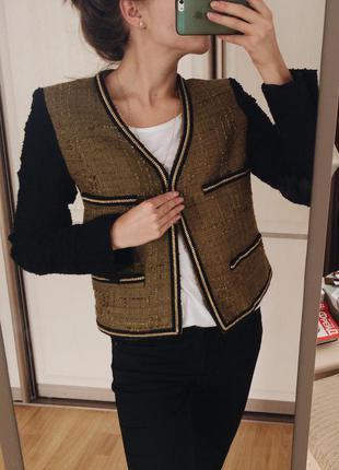 Стильный пиджак в стиле chanel