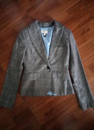 Стильный пиджак mango