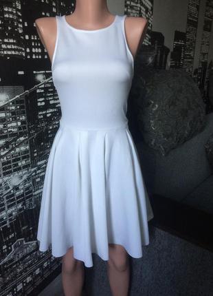 Очень красивое белое платье от bershka