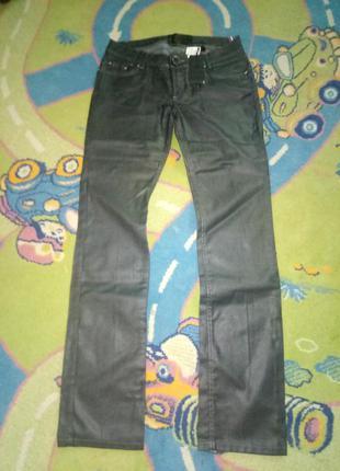 Новые  джинсы  amn 30р идут  на 29