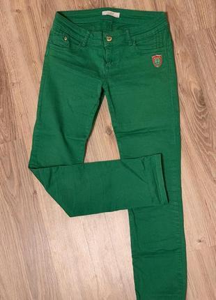 Коттоновые стрейчевые джинсы a.m.n.