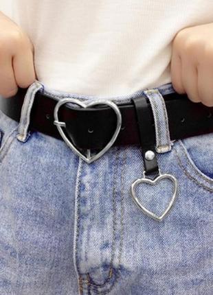 Женский ремень с подвеской в форме сердца