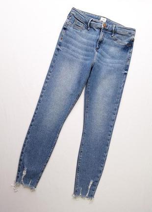 Плотные и в тоже время суперстрейчевые джинсы от river island