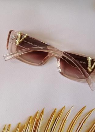 Элегантные эксклюзивные солнцезащитные женские очки в прозрачной розовой оправе 2021