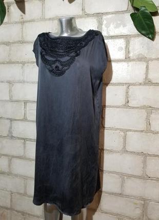 Шелковое платье с красивым декором шелк