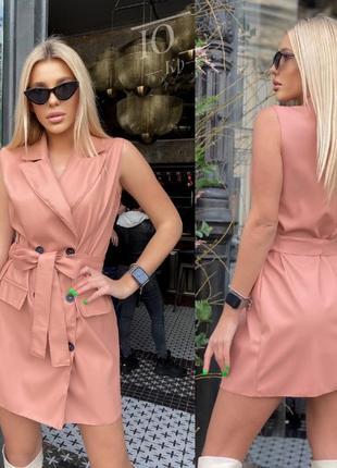 Платье- пиджак из эко-кожи.
