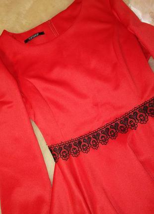 Красное платье с кружевом тоpshop