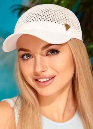 Женская вязаная кепка бейсболка белая
