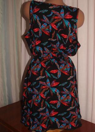 Красочное платье (л) по талии утяжка, с узором, шикарно смотрится3 фото