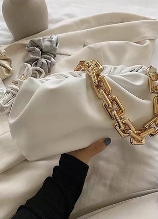 Трендовая брендова стильная сумочка багет винтажная с ручкой с цепочкой новая