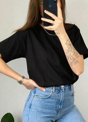 Однотонная качественная плотная оверсайз футболка черная базовая хлопковая
