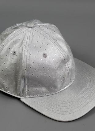 Крутезна жіноча кепка бренду c&a