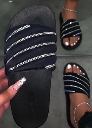 Шлепки чёрные женские летние резиновые силиконовые со стразами