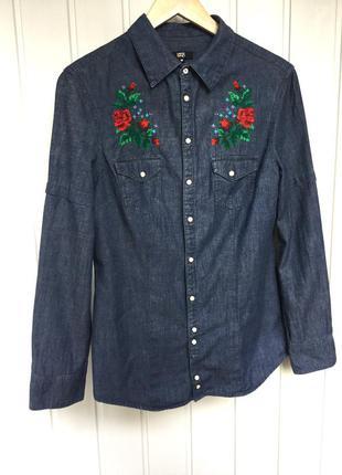 Джинсовая рубашка с вышивкой розы